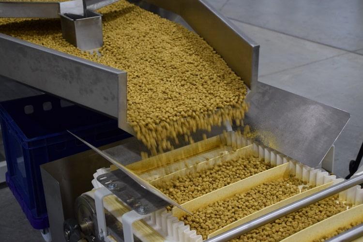 Изготовление корма для рыб